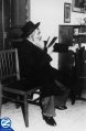 00000534-rabbi-yisroel-odesser-praying.jpg